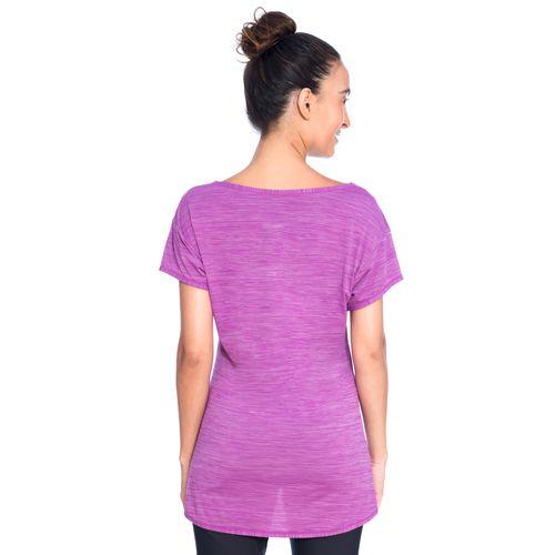 553822-Camiseta-roxa-costas